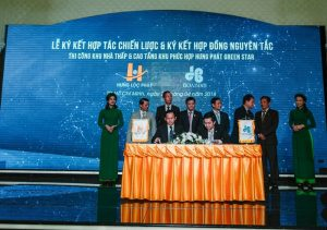 Lễ ký kết hợp tác với Hòa Bình dự án Green Star